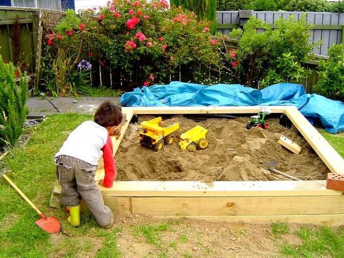 Piaskownica w ogrodzie  Jak zrobić piaskownicę dla dziecka?