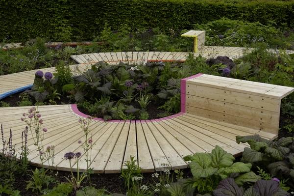 Ławka ogrodowa w nowoczesnej stylistyce