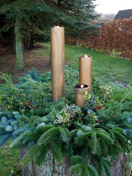 Stroik świąteczny w ogrodzie