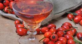 Wino z dzikiej róży - sprawdzone przepisy