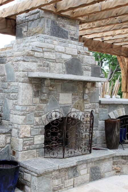 Grille ogrodowe  z kamienia
