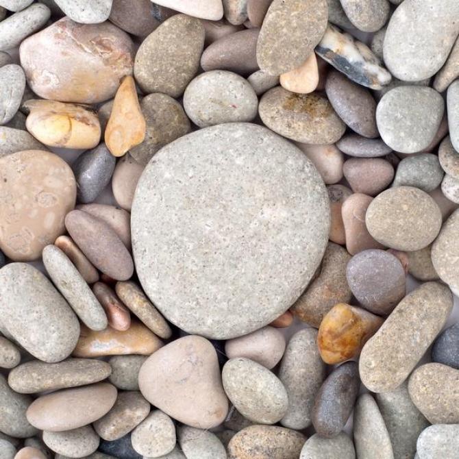 Otoczaki  naturalny kamień w ogrodzie