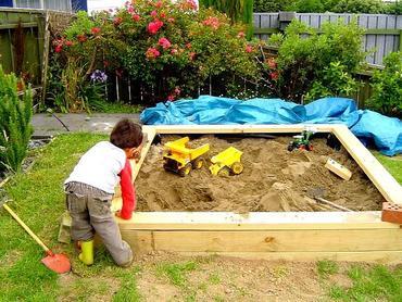 Piaskownica w ogrodzie – Jak zrobić piaskownicę dla dziecka?