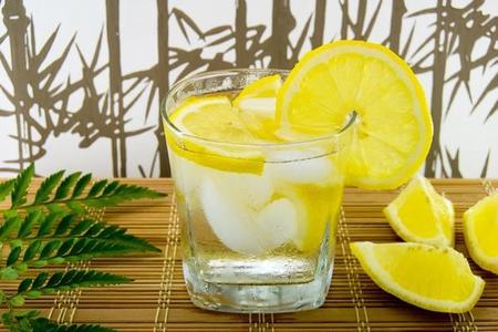 Woda z cytryną - właściwości