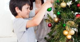 12 pomysłów na udekorowanie drzewka świątecznego