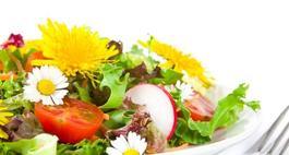 Jadalne kwiaty – rośliny o jadalnych kwiatach