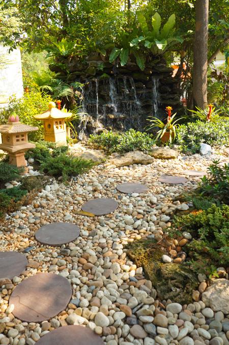 Kamienie dekoracyjne - ścieżka